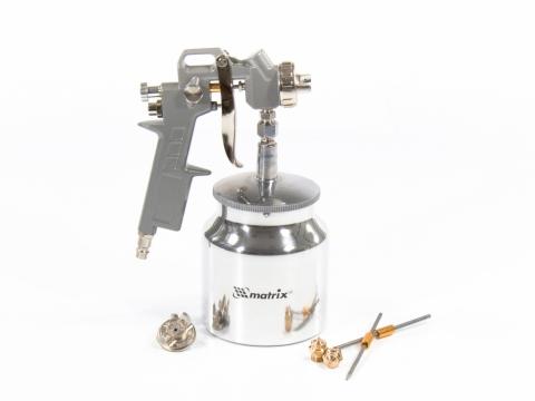 products/Краскораспылитель пневмат. с нижним бачком V=0,75 л + сопла диаметром 1.2, 1.5 и 1.8 мм MATRIX